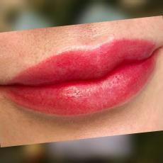Перманентный макияж губ, Акварель