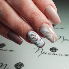 Наращивание ногтей, Престиж
